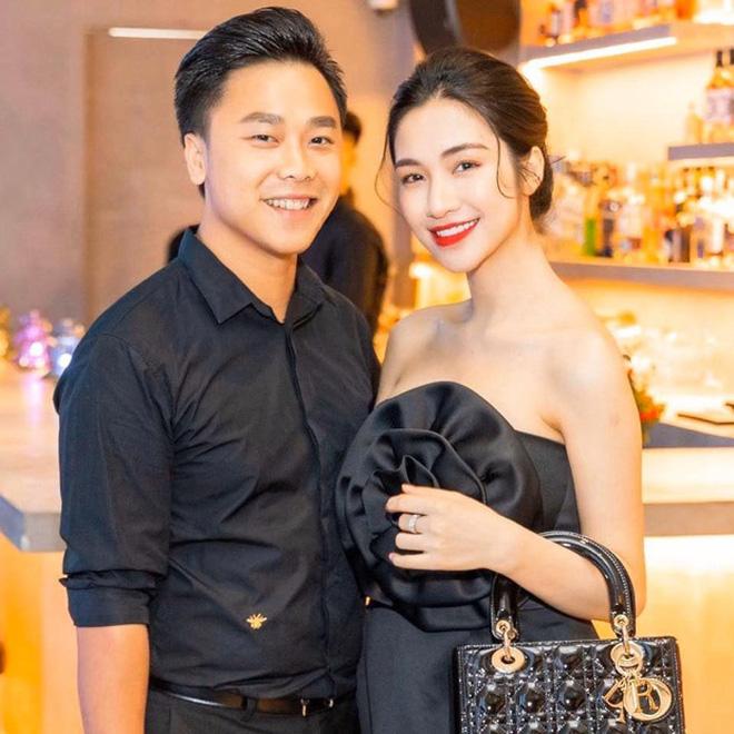 Bạn trai Hương Giang 'đọ' bạn trai Hoà Minzy: 2 thiếu gia với tài sản khủng, cưng chiều người yêu trên mạng cho đến ngoài đời - ảnh 4
