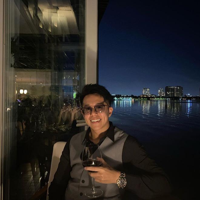 Bạn trai Hương Giang 'đọ' bạn trai Hoà Minzy: 2 thiếu gia với tài sản khủng, cưng chiều người yêu trên mạng cho đến ngoài đời - ảnh 5