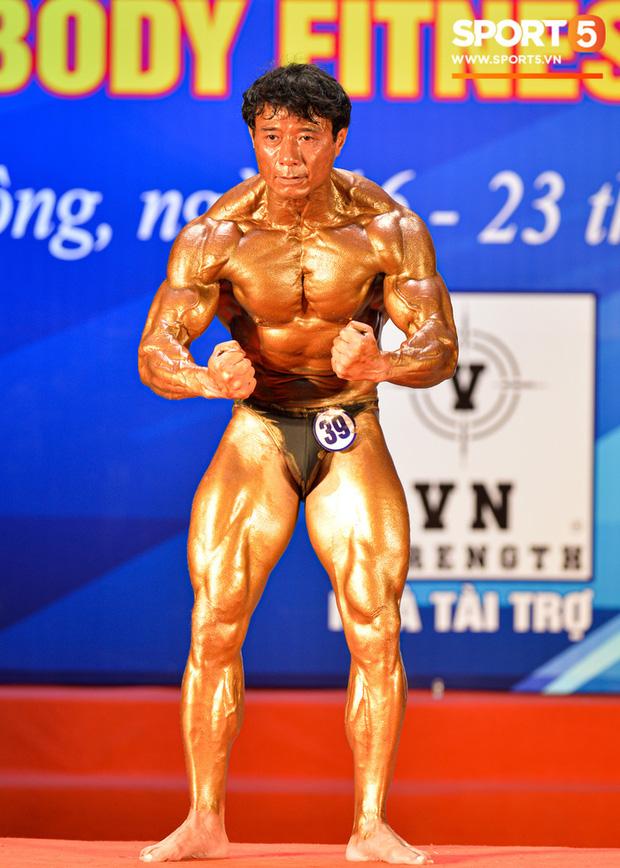 Lực sĩ Việt kiều lần thứ 3 vô địch thể hình lão tướng quốc gia: Body vạn người mê, tuổi 54 vẫn sở hữu cơ bắp đồ sộ khiến thanh niên ngả mũ thán phục - Ảnh 6.