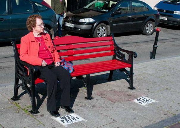 21 bức ảnh cho thấy nhiều người có 1 ngày buồn hơn bạn nhiều: Anh số 10 nhìn đã thấy đau - Ảnh 3.
