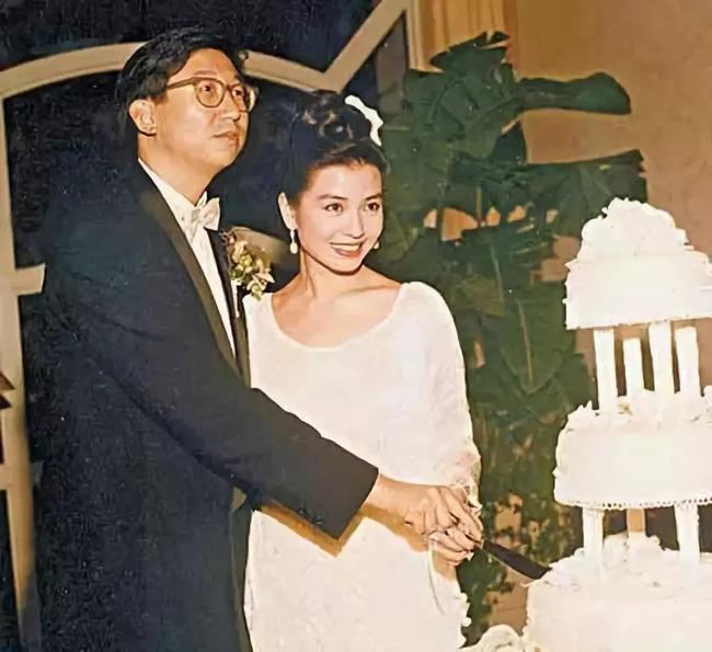 Chung Sở Hồng: Nắm giữ khối tài sản khủng ở tuổi 60, nhất quyết không chịu tái hôn vì nguyên nhân đau lòng này - Ảnh 2.