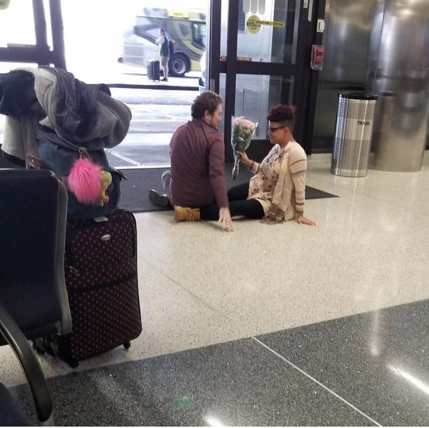 """Các vị khách """"tự nhiên như ở nhà"""" trên máy bay, tôi chỉ muốn một chuyến đi bình thường thôi mà? - Ảnh 6."""