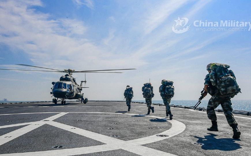 Tiêm kích Đài Loan định chặn đầu nhưng lại bị chiến đấu cơ TQ bao vây, phải tìm cách rời đi
