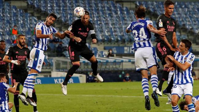 Real Madrid bị Sociedad cầm hòa, HLV Zidane dội gáo nước lạnh tới 1 người - Ảnh 1.