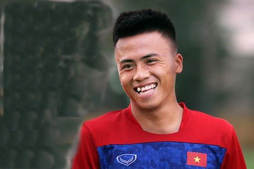 Cựu tuyển thủ U18 Việt Nam chạy xe ôm kiếm sống: Mơ ngày trở lại sân cỏ - Ảnh 1.
