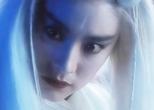 Loạt mỹ nhân Hoa ngữ đọ độ quyến rũ trong tạo hình tóc trắng - ảnh 7