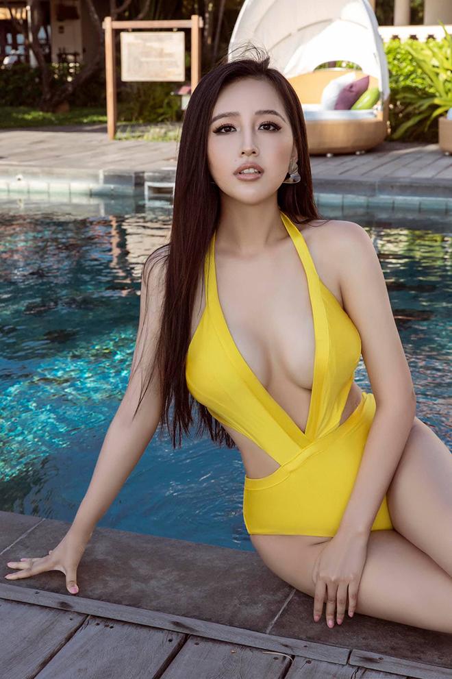 Vẻ nóng bỏng, nuột nà tuổi 32 của hoa hậu Mai Phương Thúy - Ảnh 2.