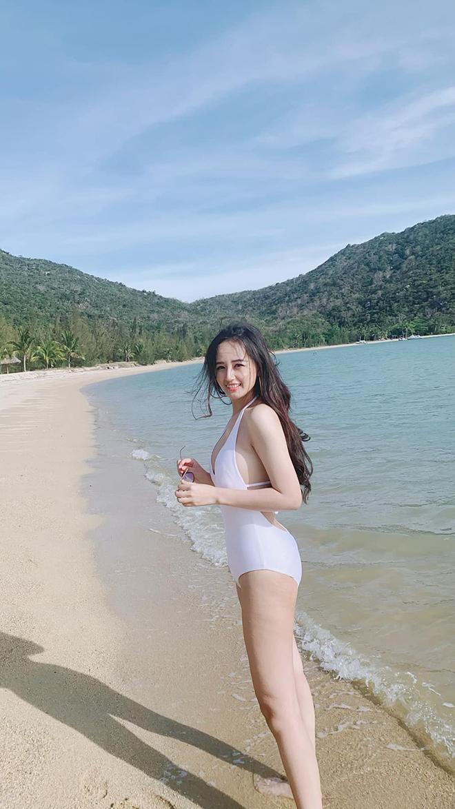 Vẻ nóng bỏng, nuột nà tuổi 32 của hoa hậu Mai Phương Thúy - Ảnh 3.