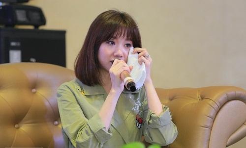 Hari Won nghẹn ngào: Tôi phải mổ hai lần, nếu mang thai sẽ khó giữ được - Ảnh 5.