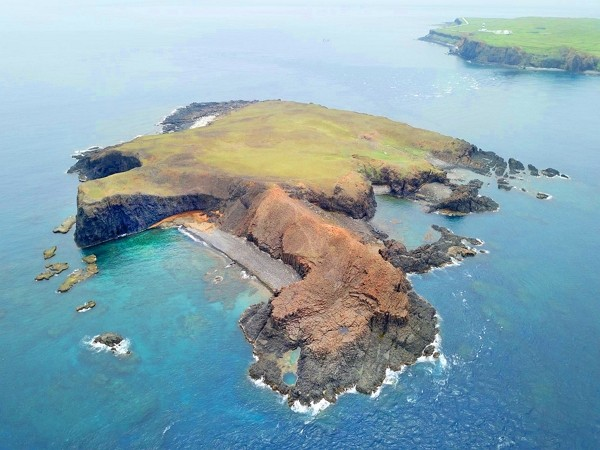 Đài Loan phát hiện vật lạ nghi của Trung Quốc trôi dạt bờ biển - ảnh 1