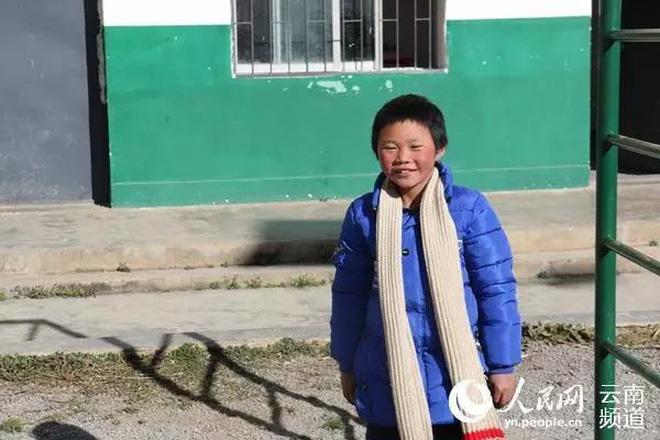 Cậu bé băng giá khốn khổ, đầu đội mưa tuyết trắng xóa đi bộ đến trường lay động MXH ngày trước bây giờ có cuộc sống ra sao? - Ảnh 7.