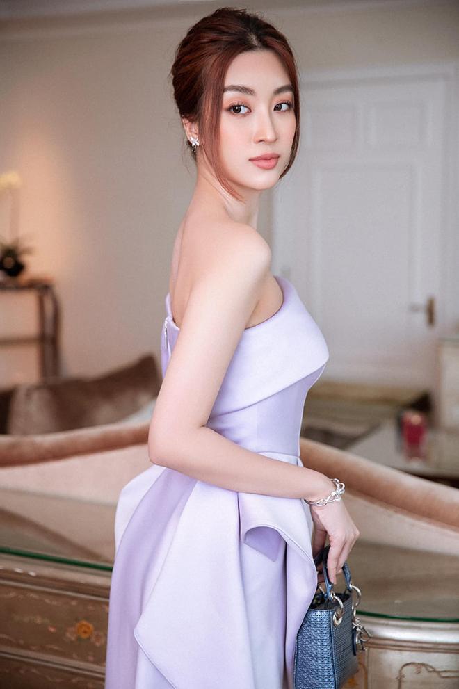 Hoa hậu Đỗ Mỹ Linh chăm khoe ảnh bikini táo bạo - Ảnh 9.