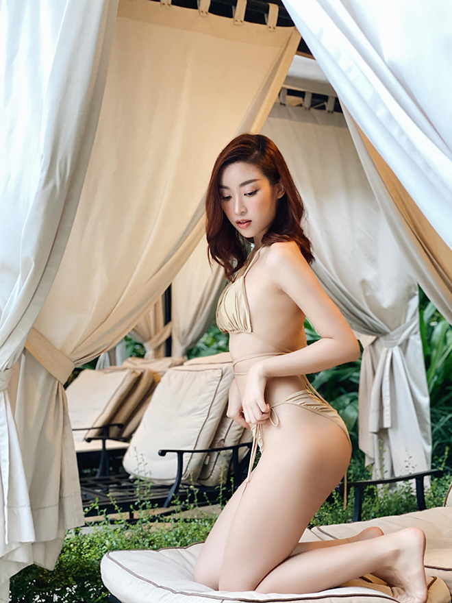 Hoa hậu Đỗ Mỹ Linh chăm khoe ảnh bikini táo bạo - Ảnh 2.