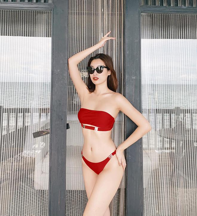 Hoa hậu Đỗ Mỹ Linh chăm khoe ảnh bikini táo bạo - Ảnh 8.