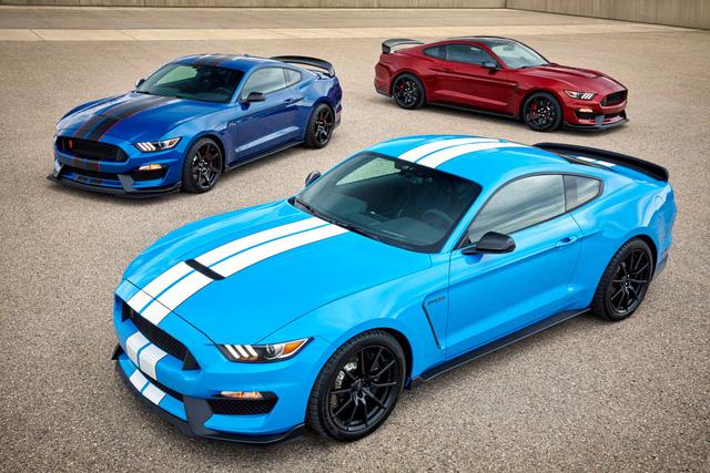 Cứ chê trắng, đen là nhàm chán nhưng quá nửa khách mua ô tô vẫn chọn màu này và đây là nguyên nhân - Ảnh 1.