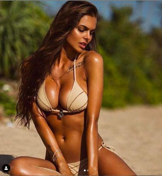 Sắc vóc siêu 'bốc lửa' của mẫu Playboy 9x người Nga - ảnh 10