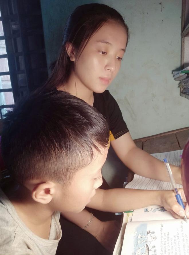 Nữ sinh Nghệ An thi Đại học 31 điểm: Mẹ bị ung thư giai đoạn 4, phải đi nhổ cỏ lúa, bóc mía thuê, ngày chỉ ngủ 2 tiếng vì quyết tâm thi đỗ - Ảnh 3.