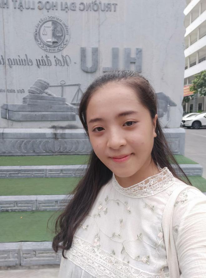 Nữ sinh Nghệ An thi Đại học 31 điểm: Mẹ bị ung thư giai đoạn 4, phải đi nhổ cỏ lúa, bóc mía thuê, ngày chỉ ngủ 2 tiếng vì quyết tâm thi đỗ - Ảnh 4.