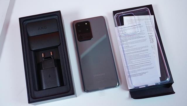 """Loạt smartphone """"xịn"""" sạc siêu nhanh đang """"trượt giá"""" mạnh - Ảnh 4."""