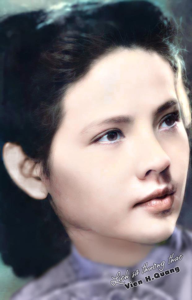 Bức ảnh của hoa khôi trường Dược Hà Nội 1955 được phục chế gây bão, soi ra profile càng nể phục - Ảnh 2.