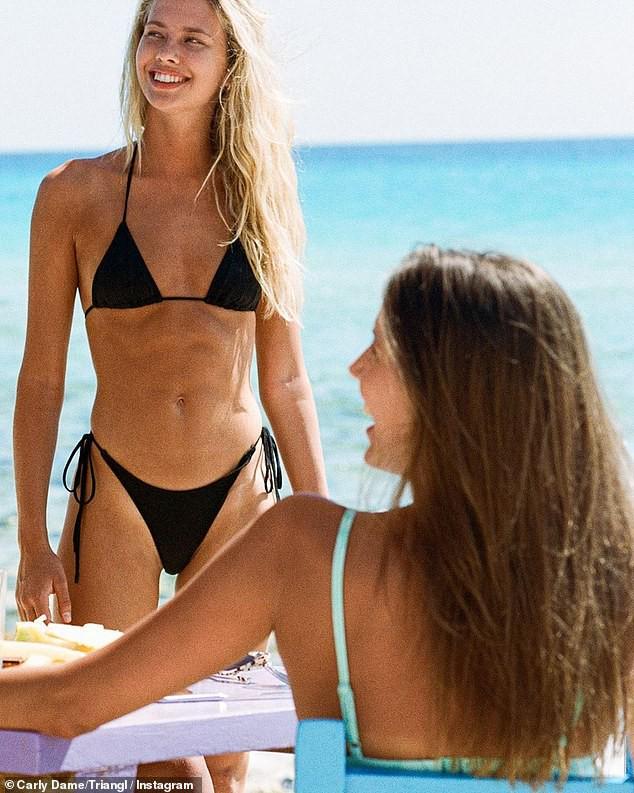 Bạn gái người mẫu kém Brad Pitt 30 tuổi quá xinh đẹp và quyến rũ với bikini - Ảnh 3.