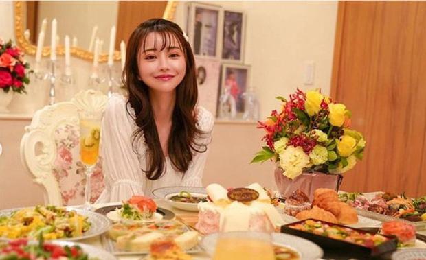 Choáng với cuộc sống của mẫu nữ kiêm Geisha số 1 Nhật Bản: Hàng hiệu xa xỉ, thu nhập 44 tỷ/năm, quyết nghỉ hưu ở tuổi 32 - Ảnh 11.