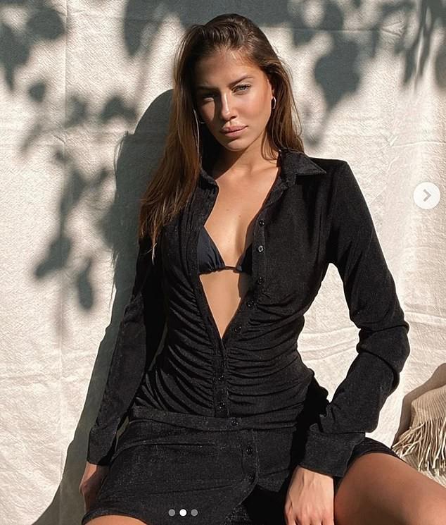 Bạn gái người mẫu kém Brad Pitt 30 tuổi quá xinh đẹp và quyến rũ với bikini - Ảnh 8.