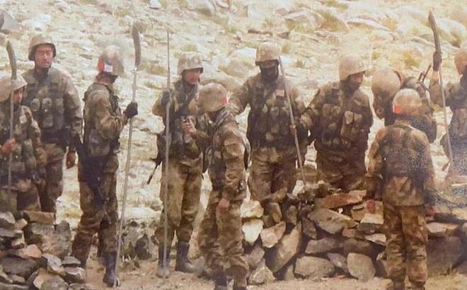 Lính Ấn Độ được phép nổ súng và nhận lời khuyên đừng tin vào lời nói của Trung Quốc - Ảnh 1.