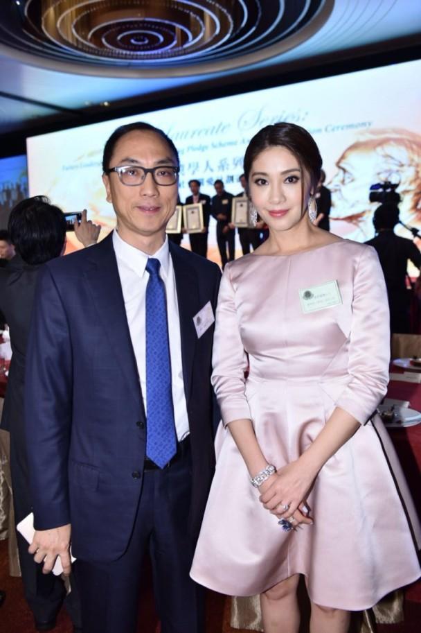 Hoa hậu Hong Kong bị á hậu lên sóng truyền hình tố cướp người yêu giờ ra sao ở tuổi U50? - Ảnh 4.