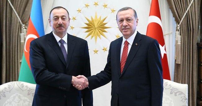 Armenia tố Azerbaijan khiến giao tranh tái bùng phát tại biên giới, liên tiếp 5 máy bay bị bắn rơi? - Ảnh 1.