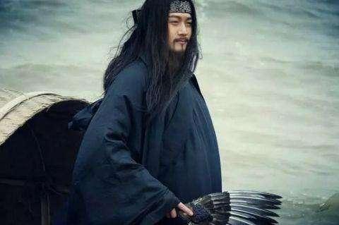 Gia Cát Lượng mượn gió Đông giúp Chu Du hỏa công Xích Bích.
