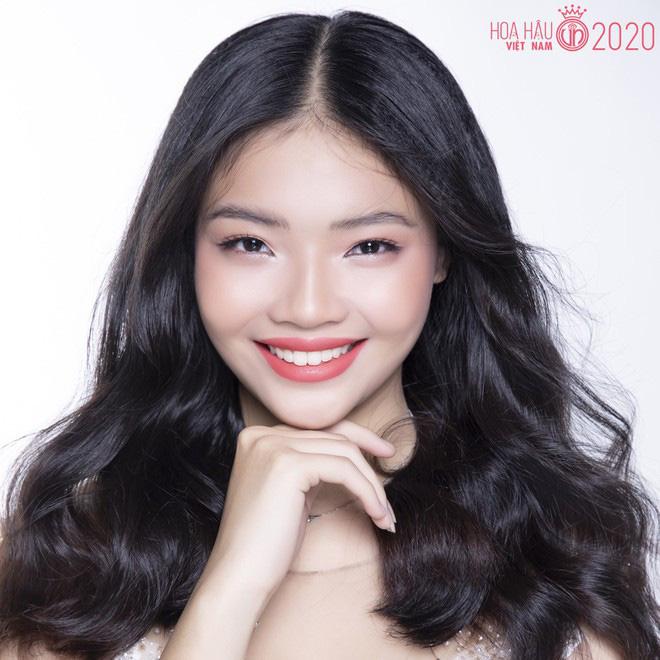 So ảnh trên mạng và chụp thực tế tại vòng sơ khảo của dàn thí sinh Hoa hậu Việt Nam 2020: Liệu có ai mất phong độ? - Ảnh 3.