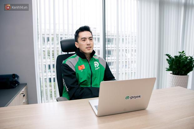 Phùng Tuấn Đức - CEO điển trai của Gojek Việt: Ngày đi làm bằng xe ôm, tối chỉ muốn dành thời gian cho vợ - Ảnh 4.