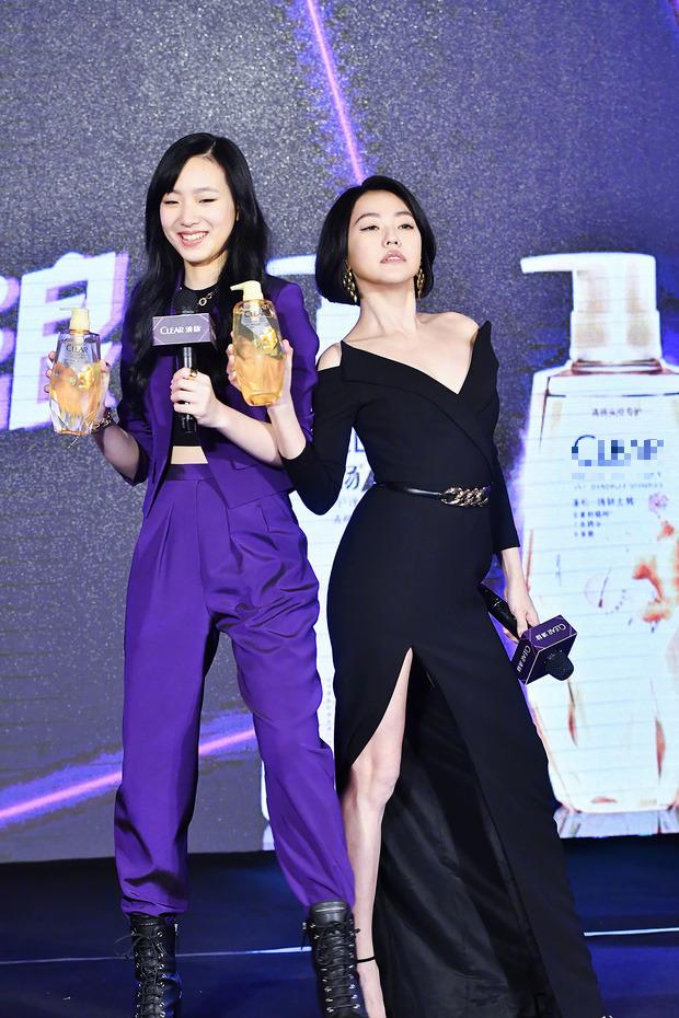 Con gái 14 tuổi của Tiểu S gây sốt khi lần đầu tham gia sự kiện: Vóc dáng như người mẫu, át cả bà mẹ sexy nhờ chiều cao - Ảnh 3.