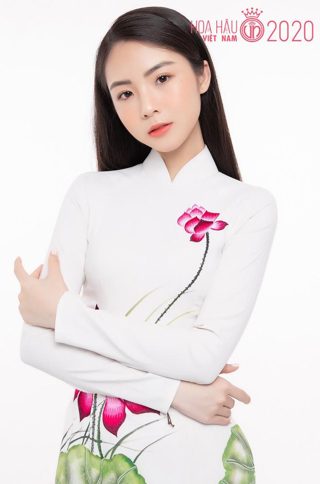So ảnh trên mạng và chụp thực tế tại vòng sơ khảo của dàn thí sinh Hoa hậu Việt Nam 2020: Liệu có ai mất phong độ? - Ảnh 5.