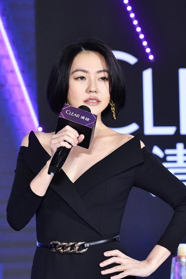 Con gái 14 tuổi của Tiểu S gây sốt khi lần đầu tham gia sự kiện: Vóc dáng như người mẫu, át cả bà mẹ sexy nhờ chiều cao - Ảnh 5.