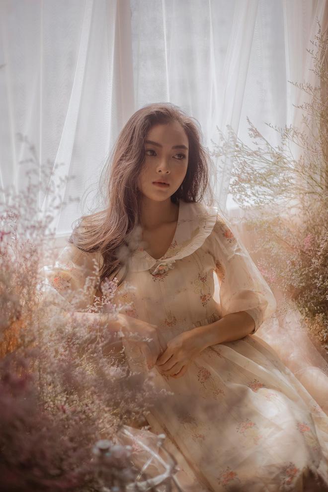 So ảnh trên mạng và chụp thực tế tại vòng sơ khảo của dàn thí sinh Hoa hậu Việt Nam 2020: Liệu có ai mất phong độ? - Ảnh 7.