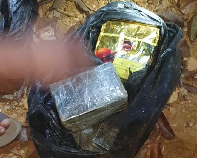 Hành trình vây bắt ổ nhóm mua bán ma túy chôn heroin dưới gốc tiêu - Ảnh 7.