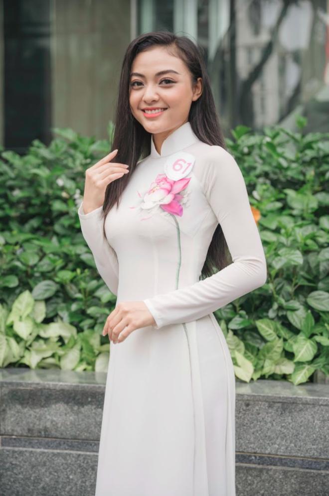 So ảnh trên mạng và chụp thực tế tại vòng sơ khảo của dàn thí sinh Hoa hậu Việt Nam 2020: Liệu có ai mất phong độ? - Ảnh 8.