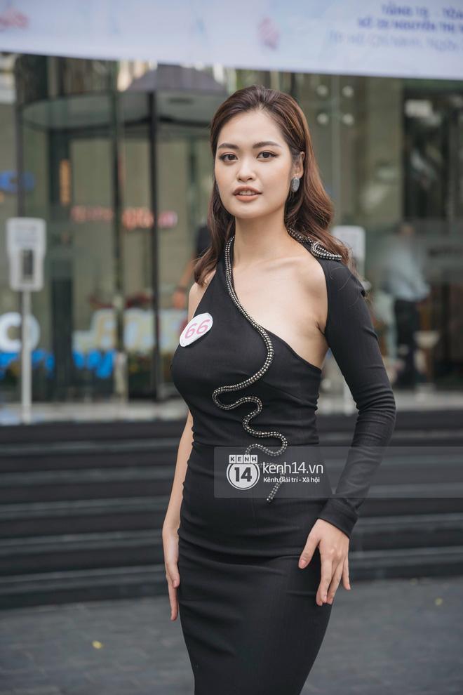 So ảnh trên mạng và chụp thực tế tại vòng sơ khảo của dàn thí sinh Hoa hậu Việt Nam 2020: Liệu có ai mất phong độ? - Ảnh 10.