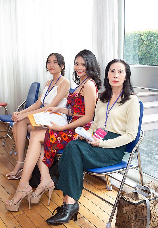 Thí sinh U60 gây chú ý khi xuất hiện tại vòng sơ khảo Hoa hậu Việt Nam và nhan sắc đời thực - Ảnh 1.