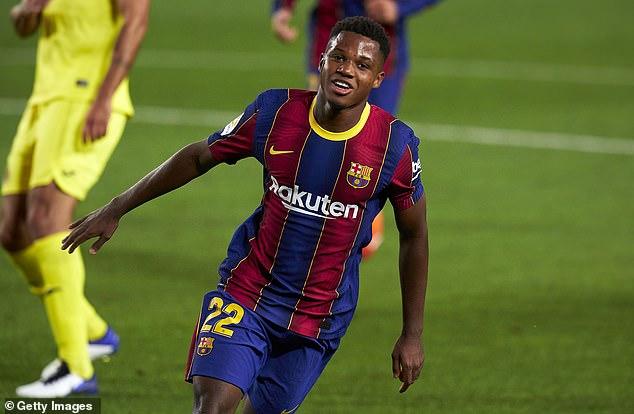Messi cùng Barca khởi đầu mãn nhãn; Man City thảm bại khó tin trong cơn mưa penalty - Ảnh 1.
