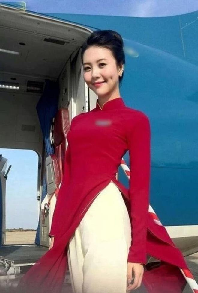 Cuộc sống hiện tại của dàn nữ tiếp viên hàng không từng nổi tiếng MXH, có người đã kết hôn và chuẩn bị sinh con - Ảnh 1.