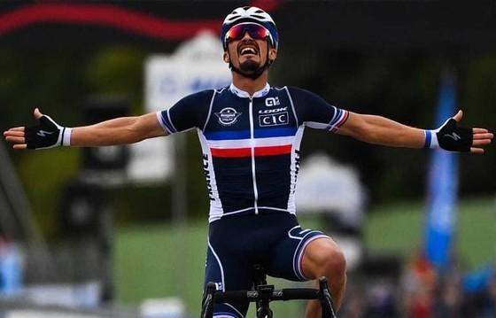 Julian Alaphilippe giúp người Pháp có HCV xe đạp thế giới sau 23 năm chờ đợi - Ảnh 2.