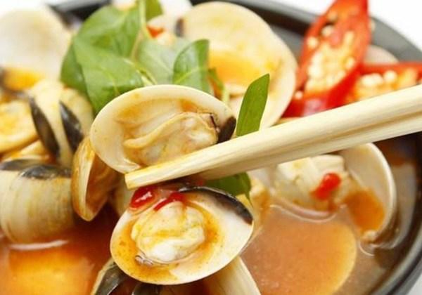 Nghêu hấp Thái cay cay, chua ngọt, ăn ngày thu vô cùng hợp - Ảnh 2.