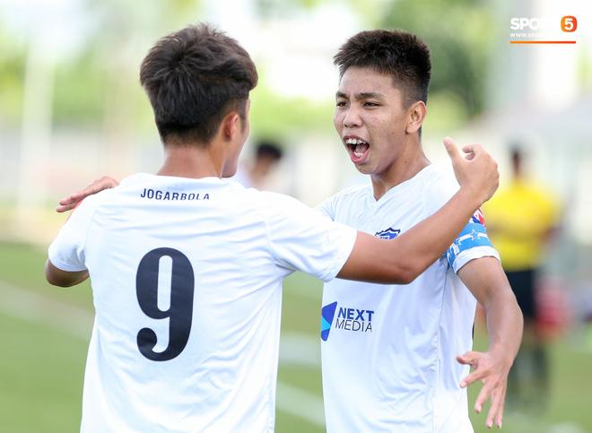 HLV Pháp triệu tập 40 cầu thủ, không gọi 3 cái tên xuất sắc nhất giải U17 quốc gia 2020 lên tuyển Việt Nam - Ảnh 3.