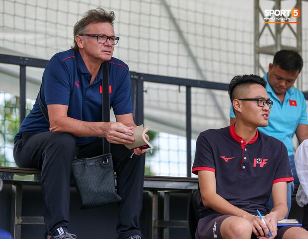 HLV Pháp triệu tập 40 cầu thủ, không gọi 3 cái tên xuất sắc nhất giải U17 quốc gia 2020 lên tuyển Việt Nam - Ảnh 4.