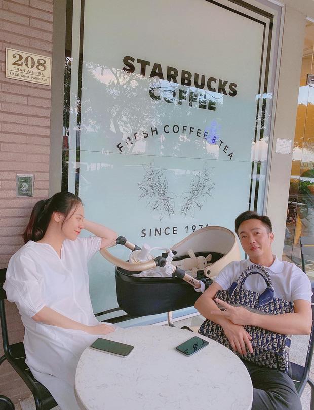 Cường Đô La hạnh phúc khoe khoảnh khắc Đàm Thu Trang chăm con gái, để lộ mặt mộc mẹ bỉm qua camera thường - Ảnh 5.