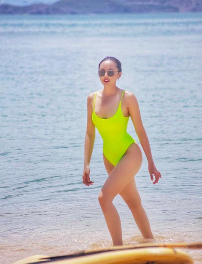 Kỳ Duyên tung ảnh bikini gợi cảm khi du lịch cùng Minh Triệu - Ảnh 4.
