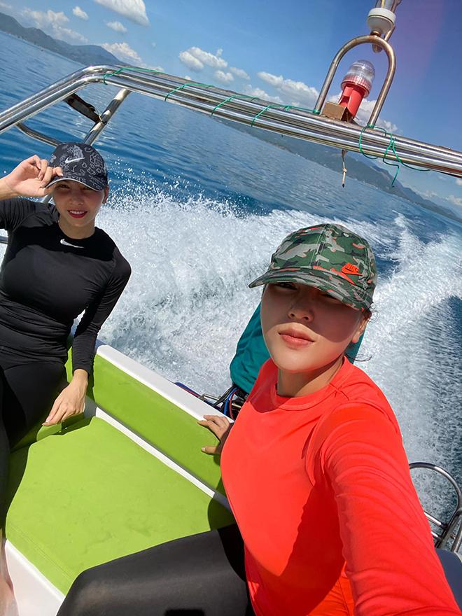 Kỳ Duyên tung ảnh bikini gợi cảm khi du lịch cùng Minh Triệu - Ảnh 2.